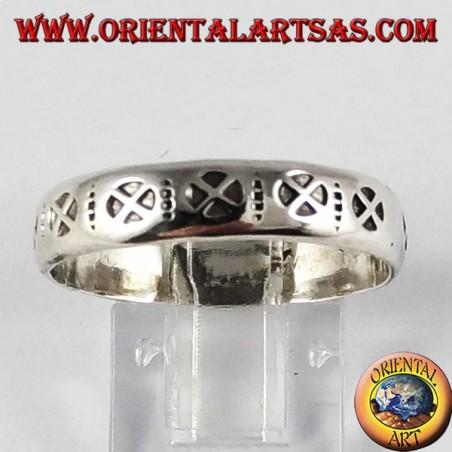 Anillo de plata (banda), con cruz cósmica