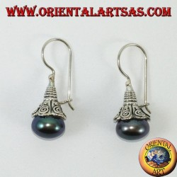 Silver earrings with pearl gray pendant
