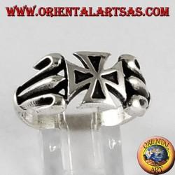 Anello in argento con croce dei templari
