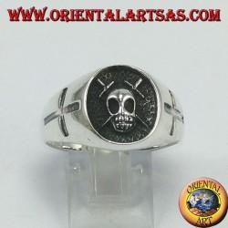Серебряное кольцо, череп с крестами