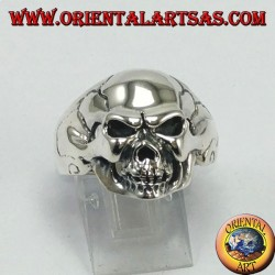 Серебряное кольцо, жесткий череп