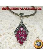 Rubini, smeraldi e zaffiro